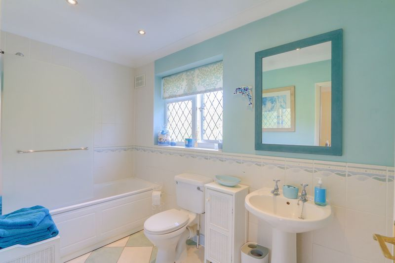 4 bed house for sale in Parsonsfield Road 13