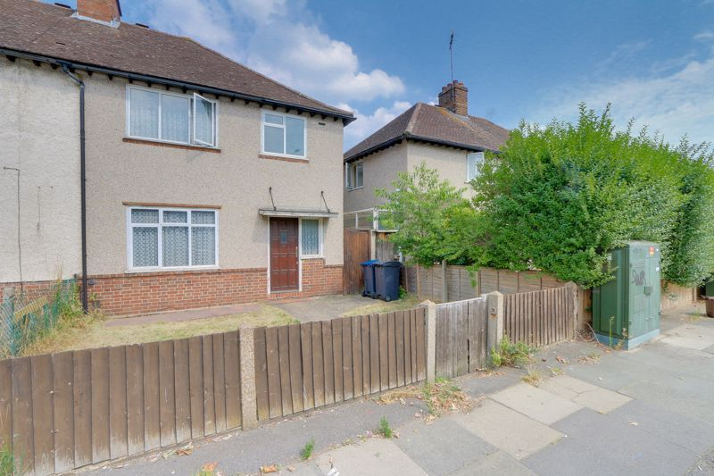 3 bed house for sale in Cambridge Road, KT1