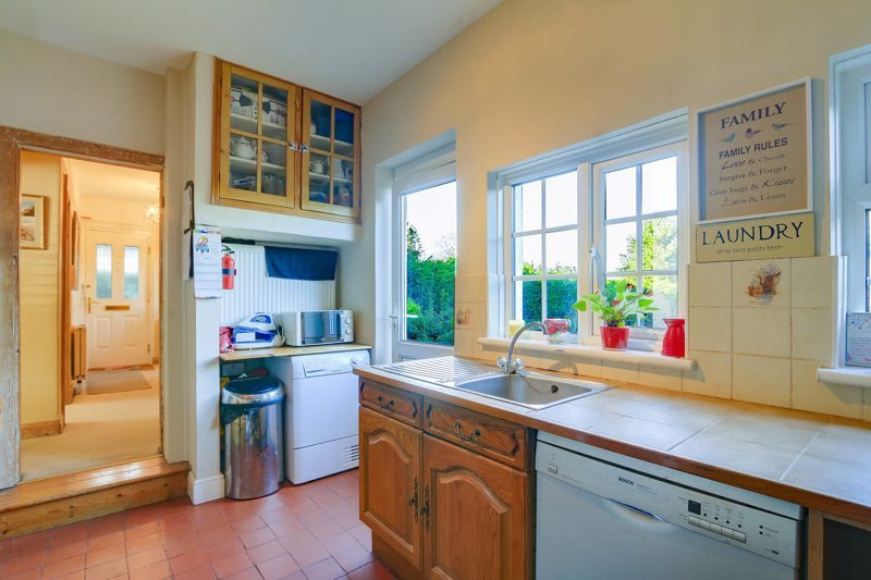 3 bed house for sale in Nork Way  - Property Image 6