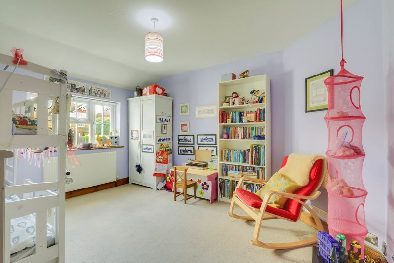 4 bed house for sale in Reigate Road  - Property Image 11