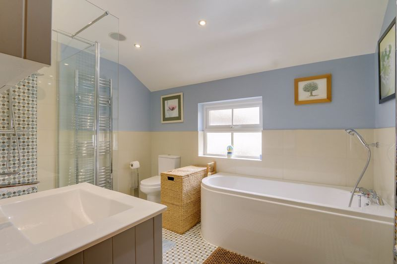 4 bed house for sale in Reigate Road  - Property Image 14