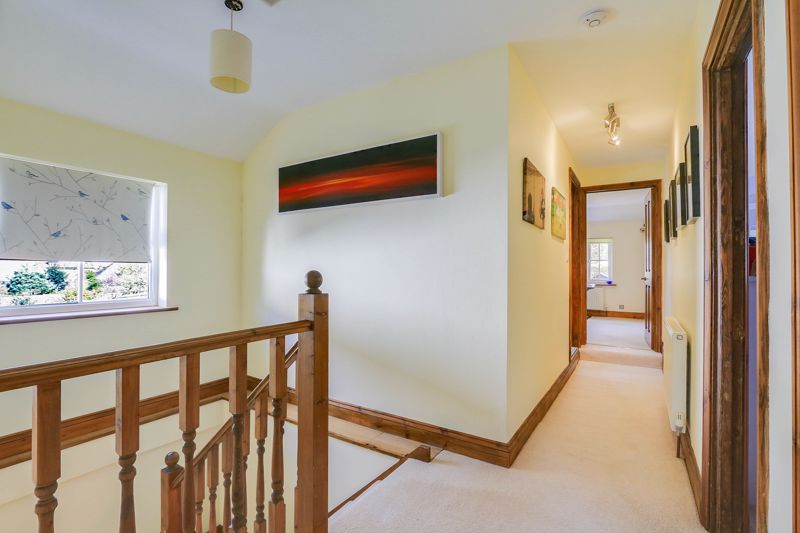 4 bed house for sale in Reigate Road  - Property Image 16