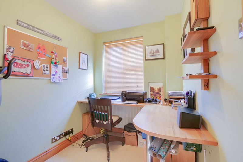 4 bed house for sale in Reigate Road  - Property Image 17