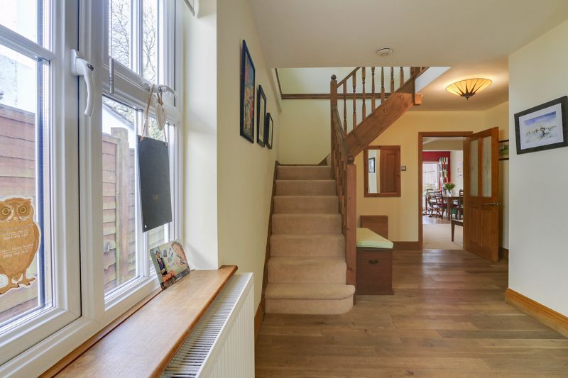 4 bed house for sale in Reigate Road  - Property Image 18