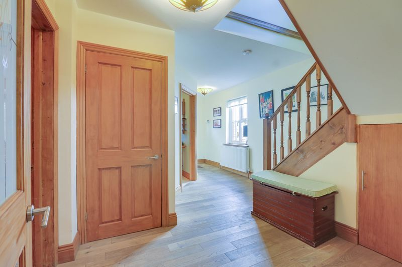 4 bed house for sale in Reigate Road  - Property Image 20