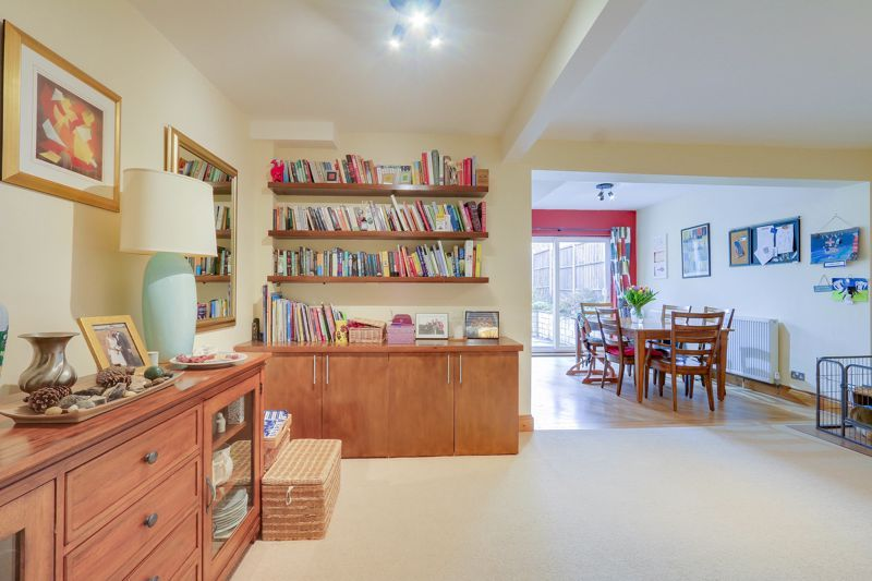 4 bed house for sale in Reigate Road  - Property Image 3