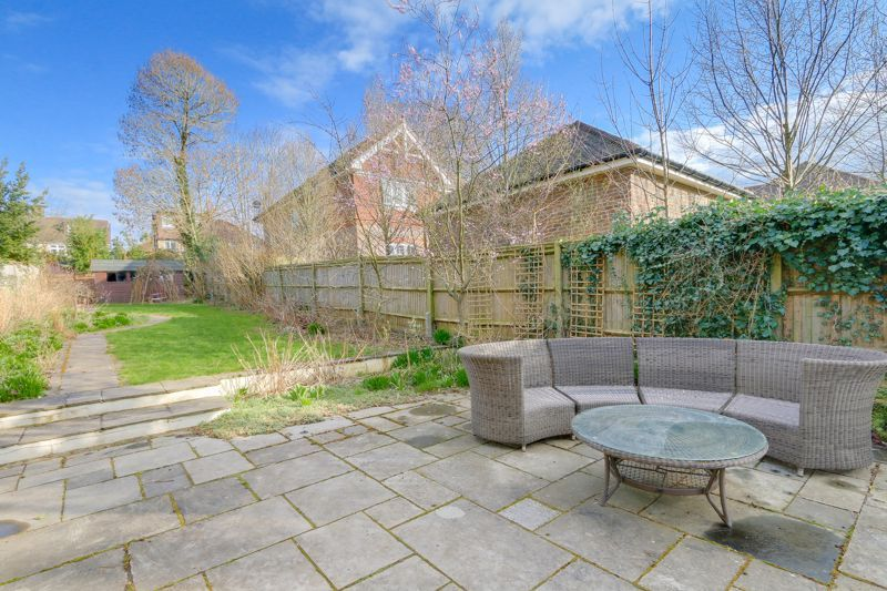 4 bed house for sale in Reigate Road  - Property Image 21