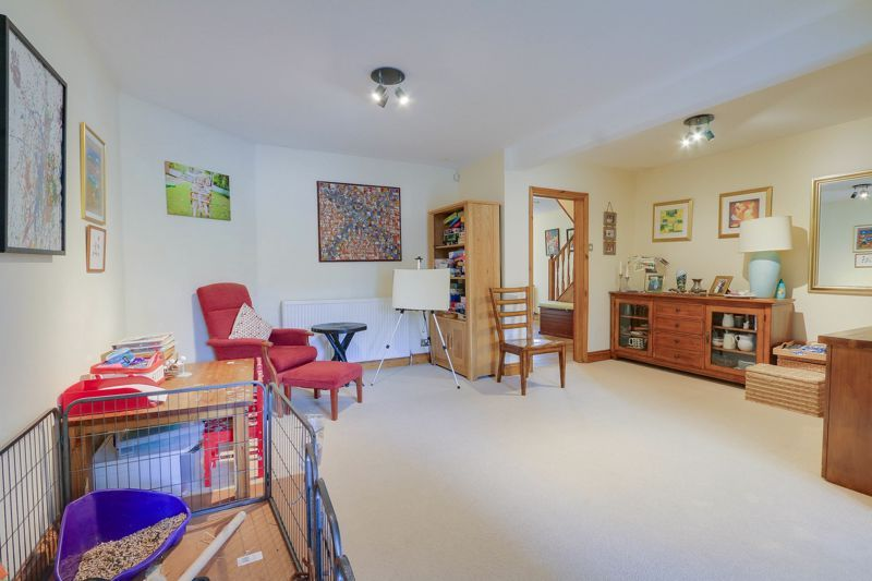 4 bed house for sale in Reigate Road  - Property Image 4