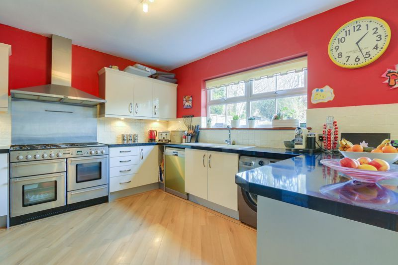 4 bed house for sale in Reigate Road  - Property Image 7