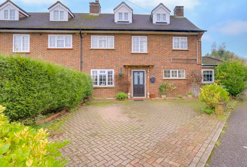 3 bed house for sale in Parsonsfield Close, SM7