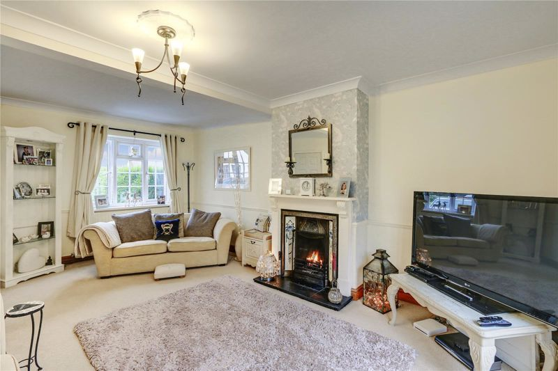 3 bed house for sale in Parsonsfield Close 3