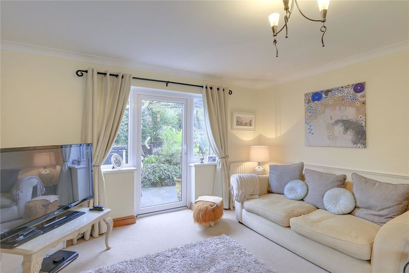 3 bed house for sale in Parsonsfield Close  - Property Image 4