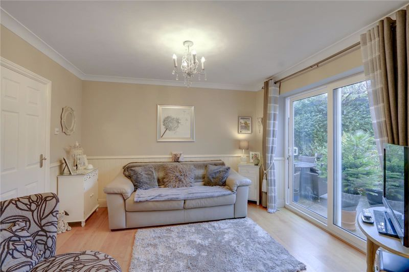 3 bed house for sale in Parsonsfield Close 5