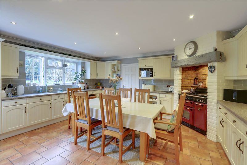 3 bed house for sale in Parsonsfield Close 7