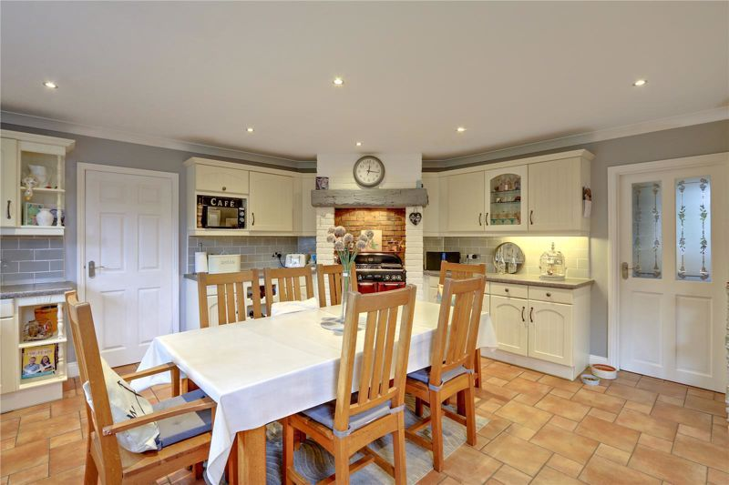 3 bed house for sale in Parsonsfield Close 8