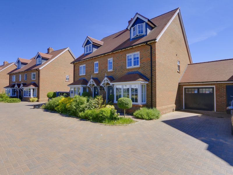 4 bed house for sale in Preston Manor Road, KT20
