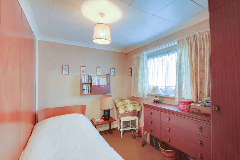 4 bed house for sale in Frensham Way  - Property Image 12