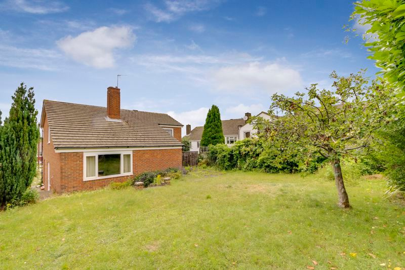 4 bed house for sale in Frensham Way  - Property Image 16