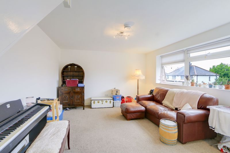 2 bed flat to rent in St. Georges Road 2
