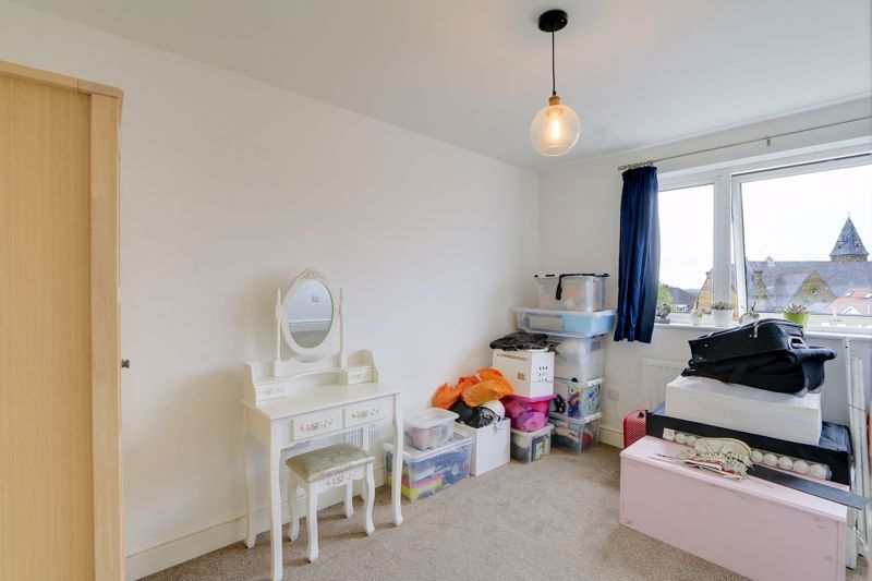 2 bed flat to rent in St. Georges Road 7