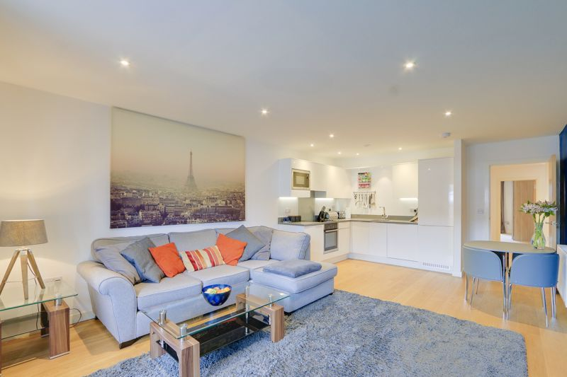 1 bed  for sale in Chipstead Valley Road, CR5