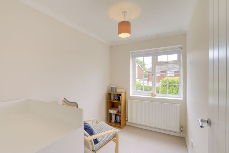 3 bed house for sale in The Driftway 11