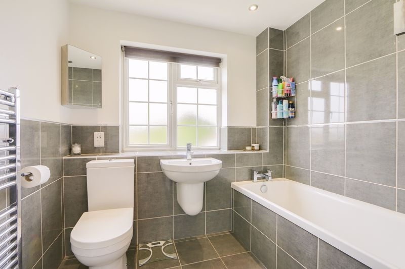 3 bed house for sale in The Driftway 12