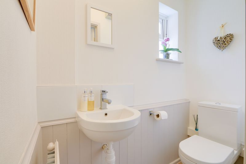 3 bed house for sale in The Driftway 14