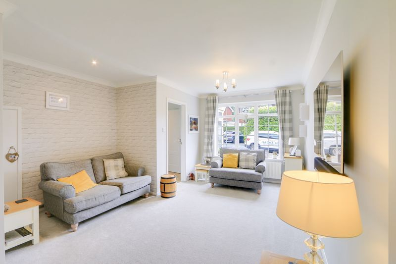 3 bed house for sale in The Driftway 4