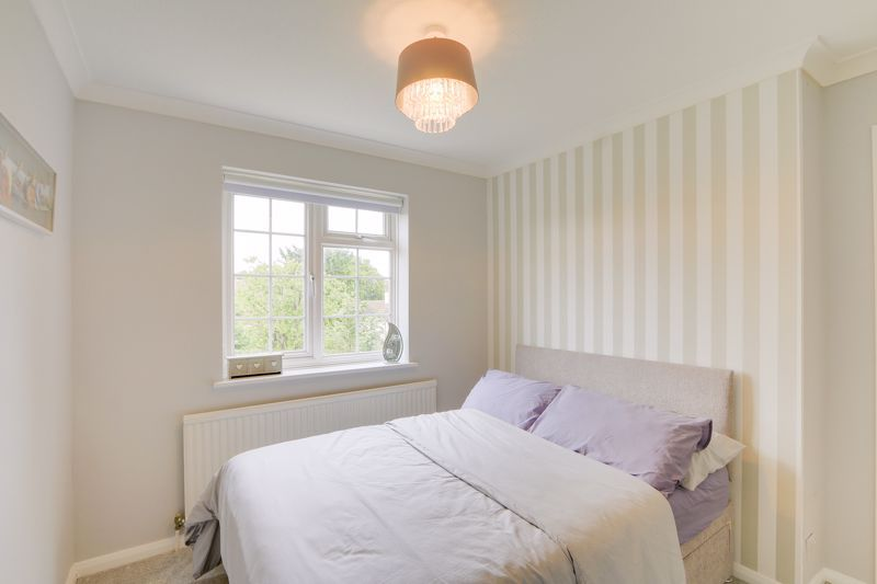 3 bed house for sale in The Driftway 10
