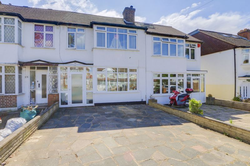 3 bed house for sale in Chertsey Drive, SM3