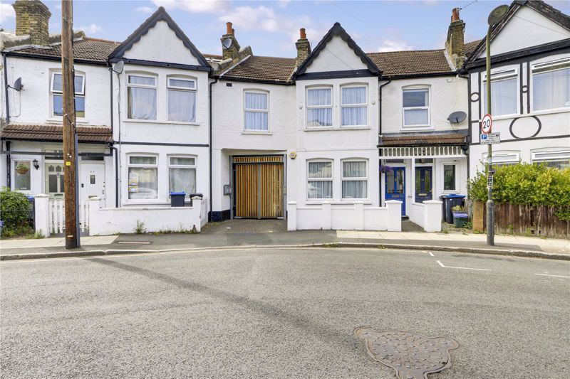 3 bed house for sale in Clarendon Road, SW19