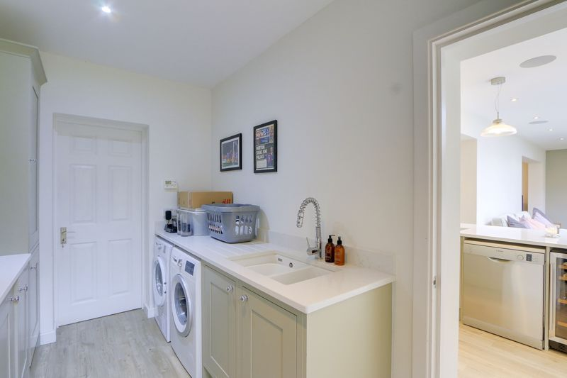 4 bed house for sale in Blue Cedars  - Property Image 11