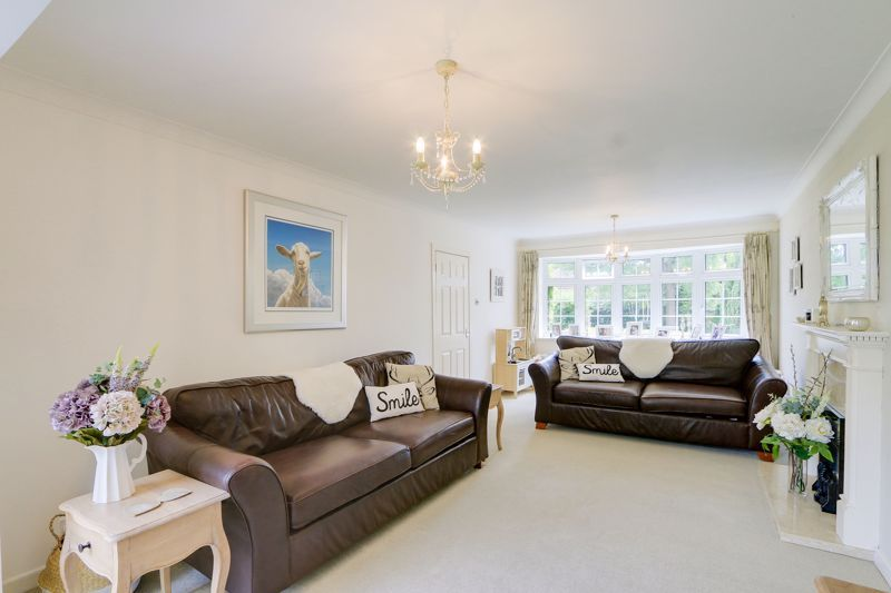 4 bed house for sale in Blue Cedars  - Property Image 5
