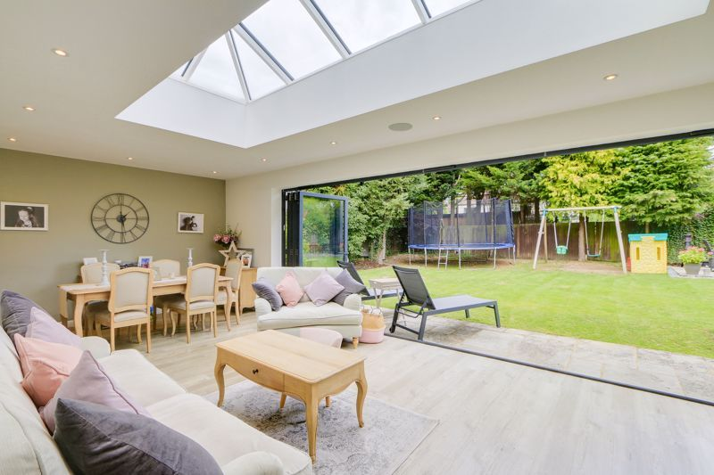 4 bed house for sale in Blue Cedars  - Property Image 8