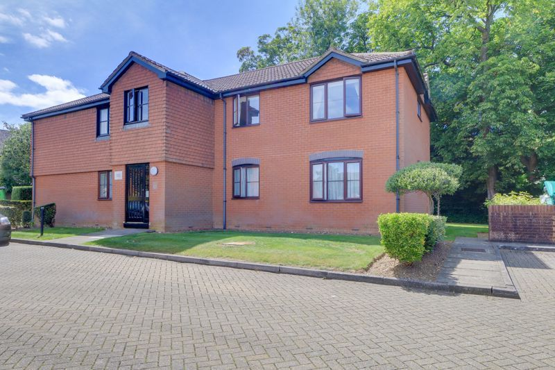 1 bed flat to rent in Lower Sawley Wood 1