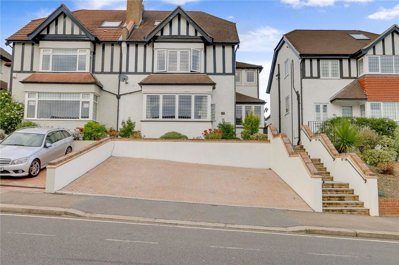 4 bed house for sale in The Avenue, CR5