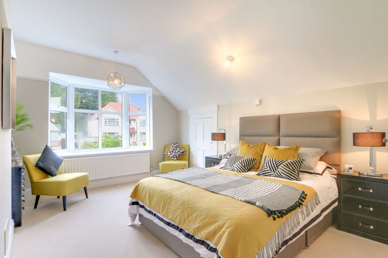 3 bed house for sale in Warren Road  - Property Image 1