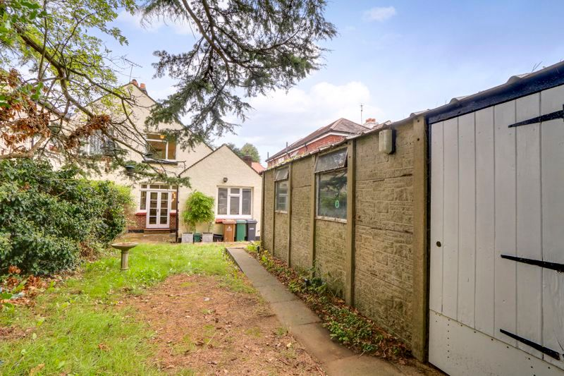 3 bed house for sale in Warren Road 15