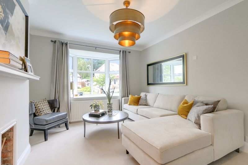 3 bed house for sale in Warren Road  - Property Image 3