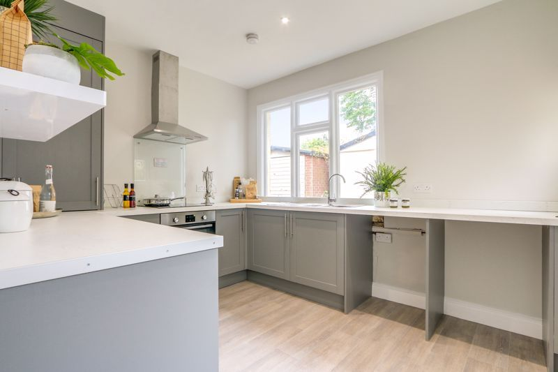 3 bed house for sale in Warren Road  - Property Image 8