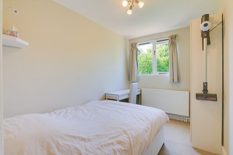 1 bed flat for sale in Croham Road 5