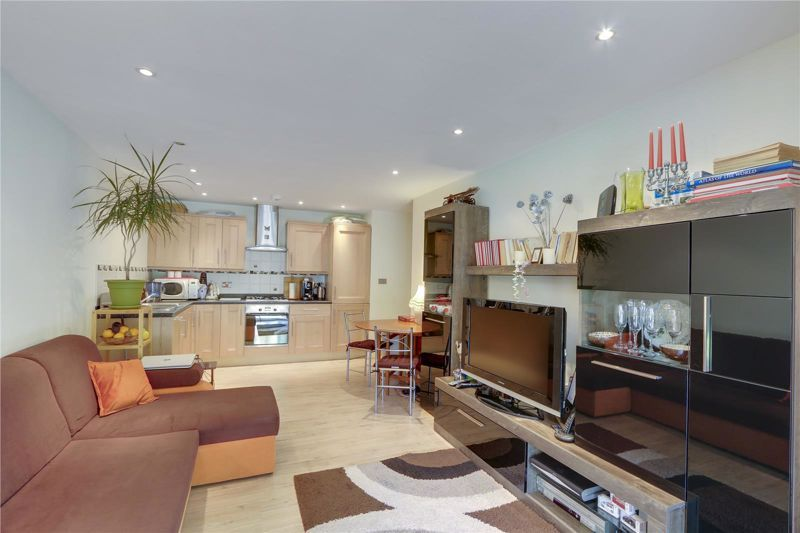 1 bed flat for sale in London Road, SM3