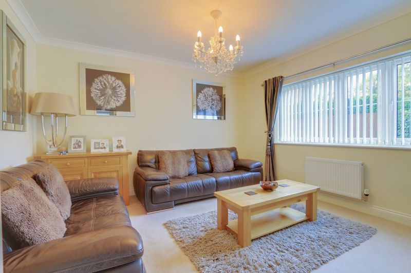 5 bed house for sale in Ash Close  - Property Image 2