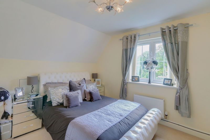 5 bed house for sale in Ash Close 11