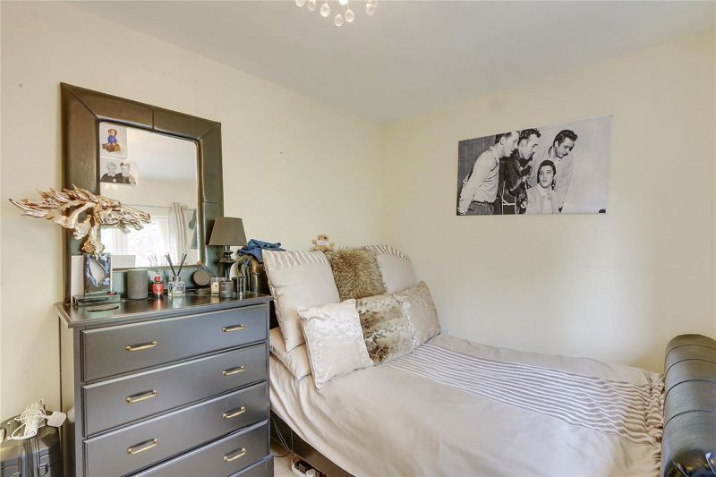 5 bed house for sale in Ash Close  - Property Image 13
