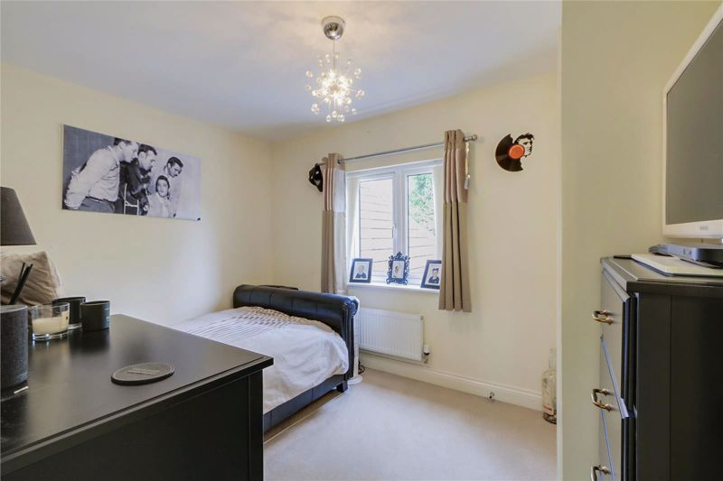 5 bed house for sale in Ash Close 14