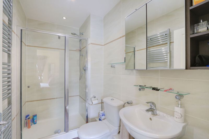 5 bed house for sale in Ash Close 15