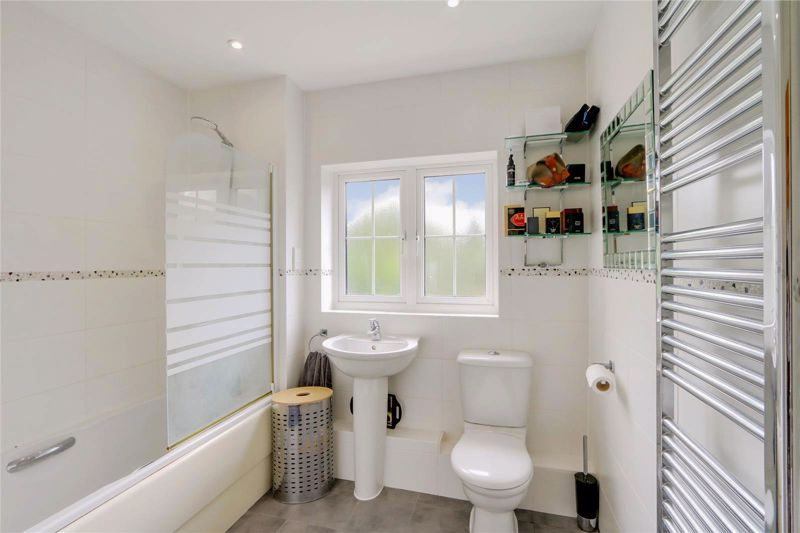5 bed house for sale in Ash Close 21