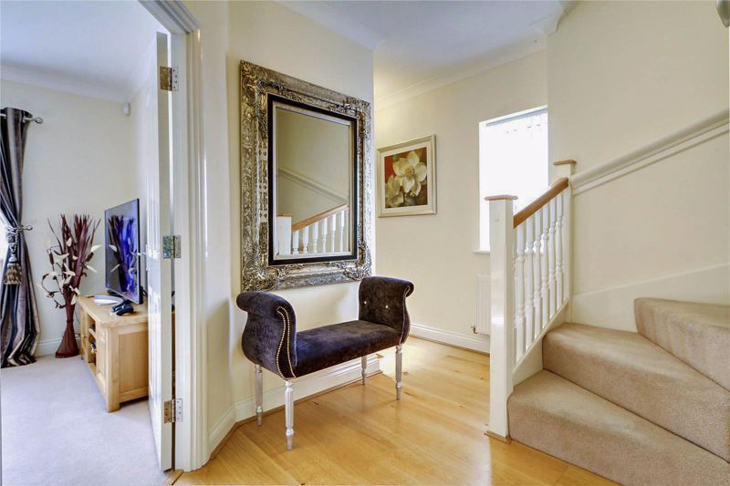 5 bed house for sale in Ash Close 24